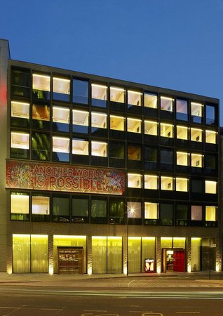 citizenM London Bankside: Exterior