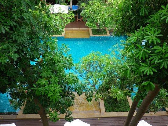 Avalon Beach Resort: Aussicht von unserer Terrasse auf den Pool Bereich.