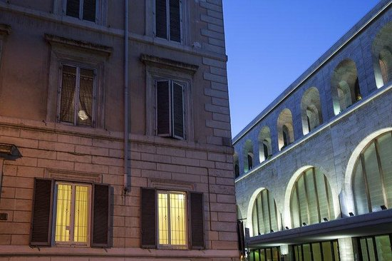 Kennedy Hotel: Exterior
