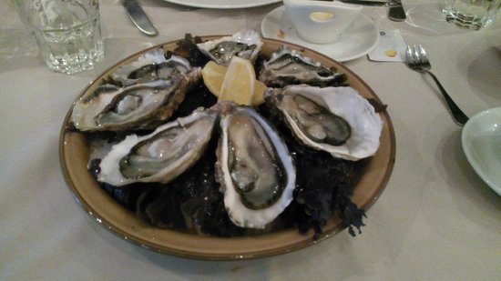 Le Poncel: entrée (huîtres)