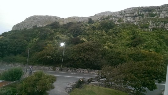 Premier Inn Llandudno North (Little Orme) Hotel: view of the little Orme from hotel window.