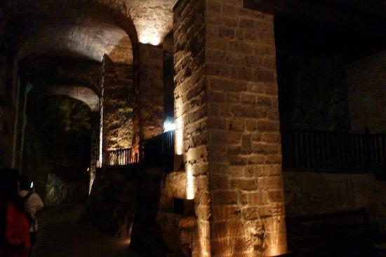 Société des Caves Roquefort - Visite des Caves: LES CAVES - SON ET LUMIERE