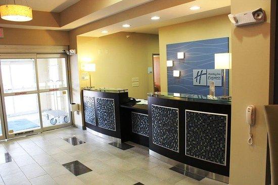 Holiday Inn Express - Albert Lea - I-35 : Front Desk