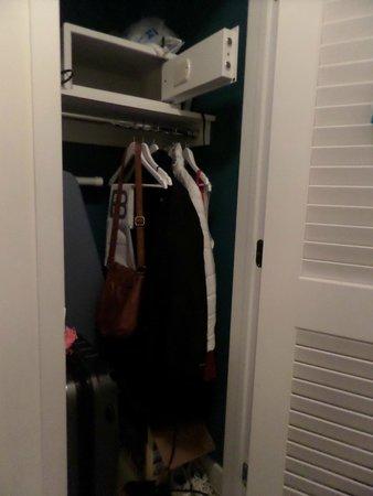 YVE Hotel Miami: Closet