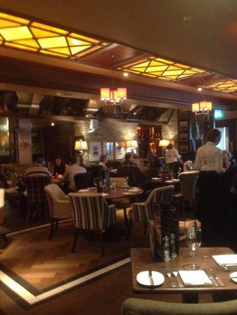 Harry's Bar & Grill: Nice decor!