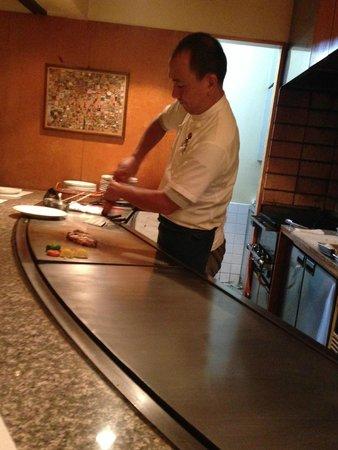 Panic Teppanyaki: Chef in action