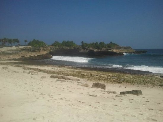 Sandy Bay Beach Club Lembongan : Spiaggia del ristorante