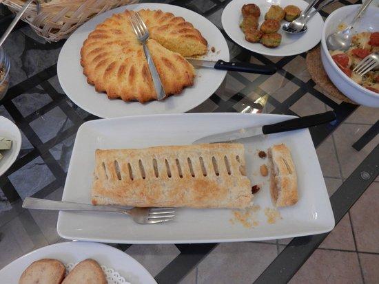 Hotel Luana: Sample Breakfast