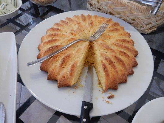 Hotel Luana: Freshly baked cakes
