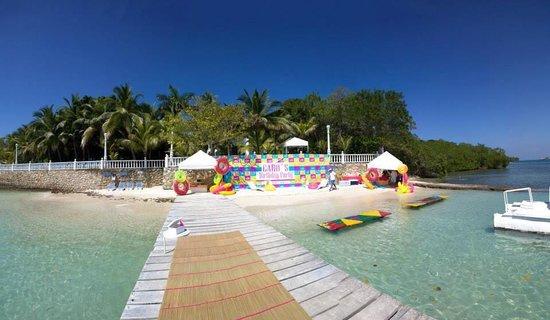 Cocoliso Isla Resort: Neón Party