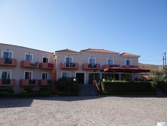 Bella Vista Hotel: Voorkant van het hotel