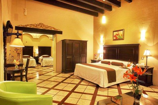 Hotel CasAntica: Suite Presidencial