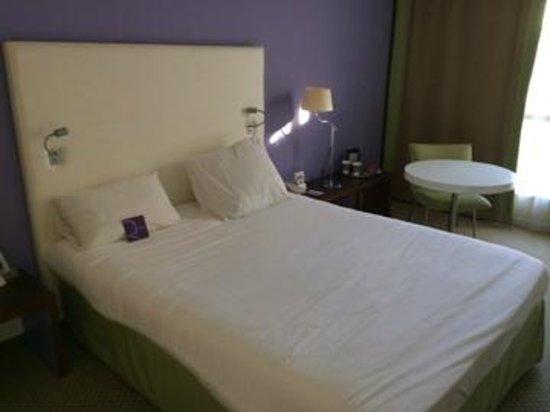 Mercure Antibes Sophia Antipolis Hotel: lit chambre 316