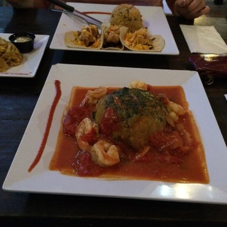 El Alambique Beach Front Bar and Grill: Shrimp Mofongo in Creole Sauce