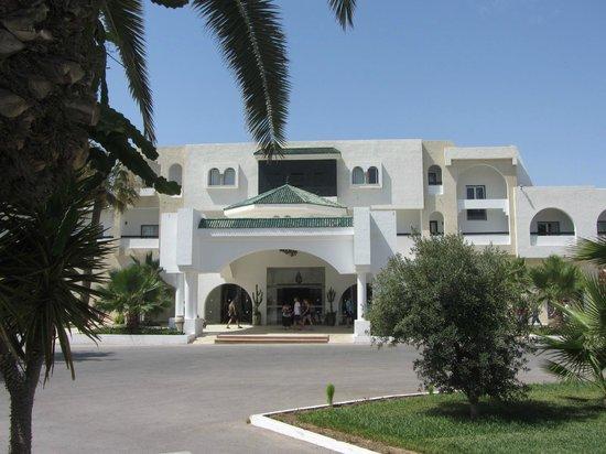 Club Marmara Hammamet Beach : L'entrée de l'hôtel