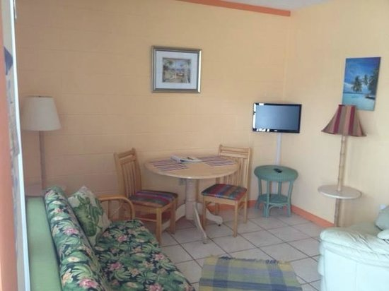 Pelican Post : Mini Apartment room 4