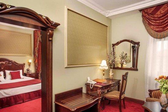 Staro Hotel : Deluxe Guest Room