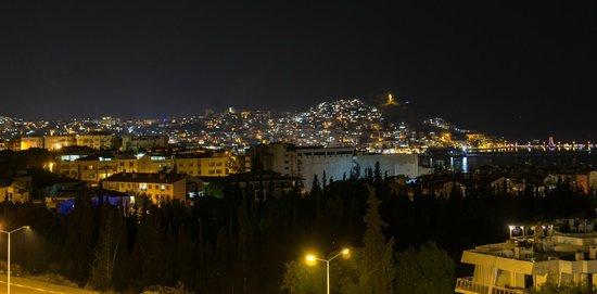 Ozka Hotel: Nightly view from hotel