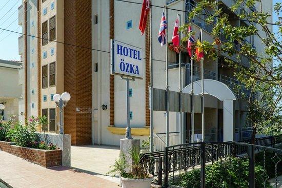 Ozka Hotel: Front of hotel