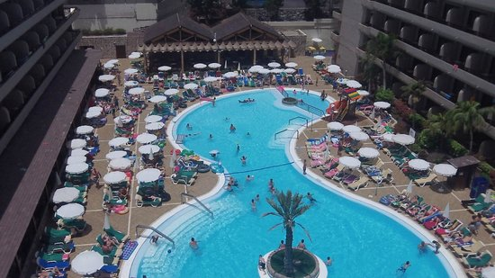 Fanabe Costa Sur Hotel: pool as seen from roof