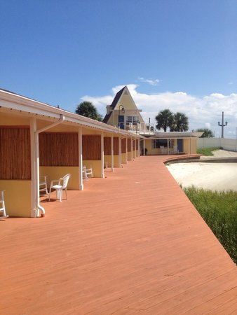 Edgewater Inn: Recently added privacy screens between rooms provide some isolation.