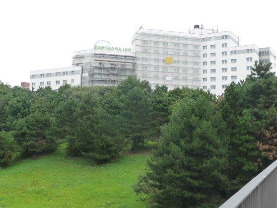 Panorama Inn Hotel And Boardinghaus: отель с одной из сторон