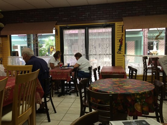 The French Bakery: Dining room