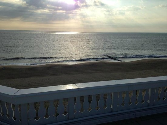 Boardwalk Plaza Hotel: Morning view from rooftop deck