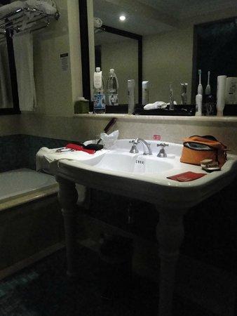 Hotel Saratoga: Badezimmer