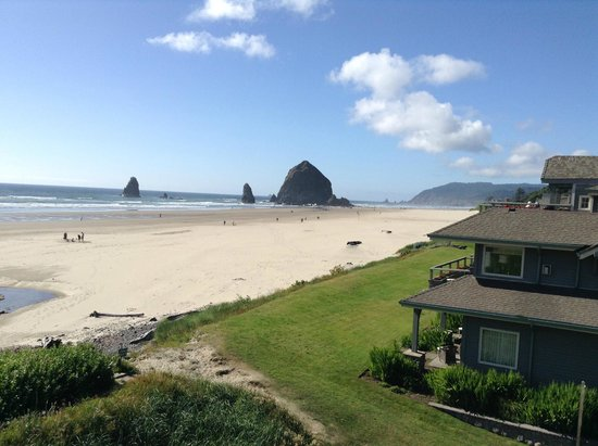 The Ocean Lodge: View from the room (Haystack Rock)