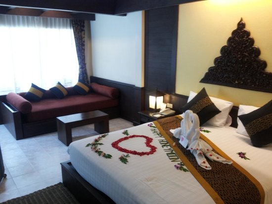 Banana Fan Sea Resort: honeymoon set up superior room