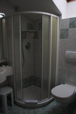 Hotel Francesin: Badezimmer