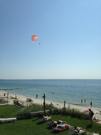 Beach House at Bass River: Parasailing
