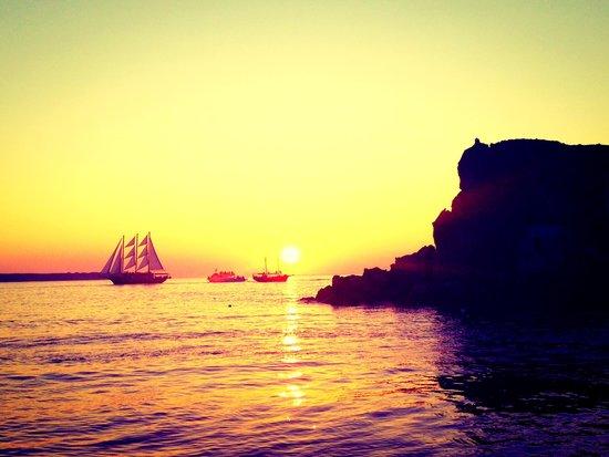 Sunset Oia Sailing - Day Tour: Sunset