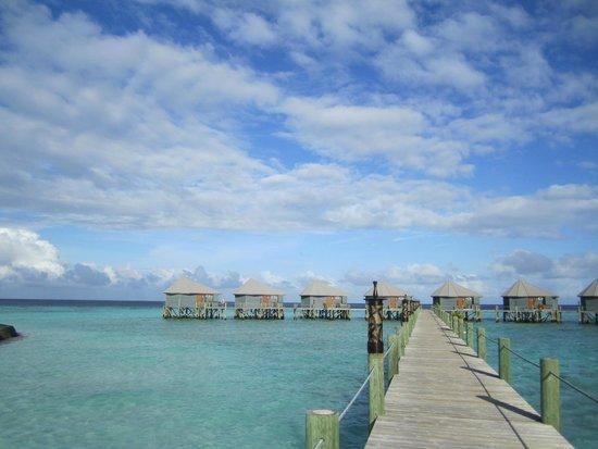 Komandoo Maldives Island Resort: Water Villas