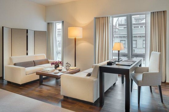 Langham Place, New York: Executive Place Living Room