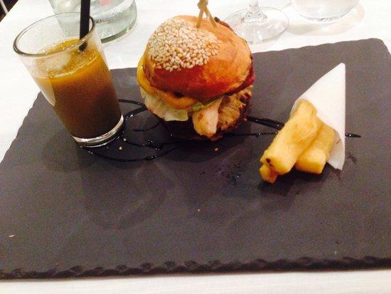 L'Aromat: Burger et bouillabaisse