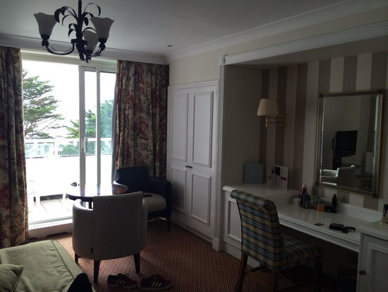 The Imperial Hotel: Room with balcony and sea view