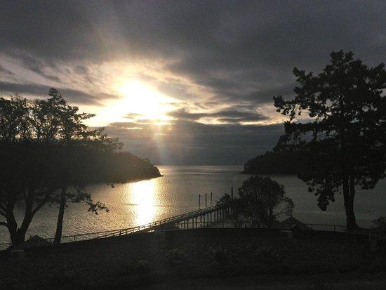 Mayne Island Resort: sunrise