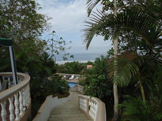 Happy Hill Hostel: Vista al mar