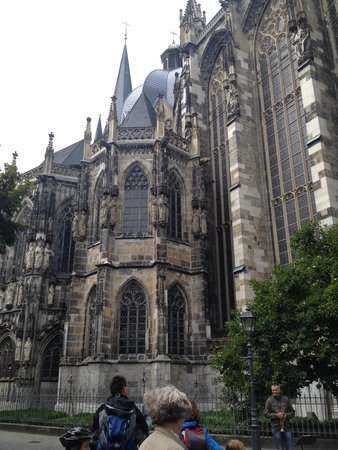 Aachen Cathedral (Dom): 外観