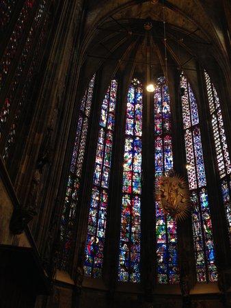 Aachen Cathedral (Dom): ステンドガラス