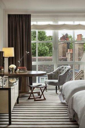 Rosewood London: Premier Room Window