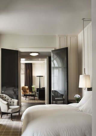 Rosewood London: Grand Premier Suite Bedroom
