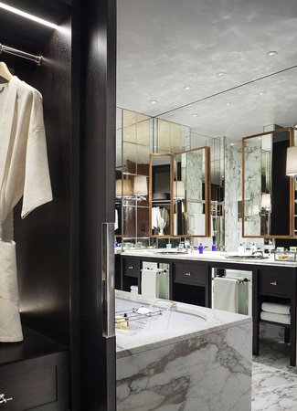 Rosewood London: Grand Premier Suite Bathroom