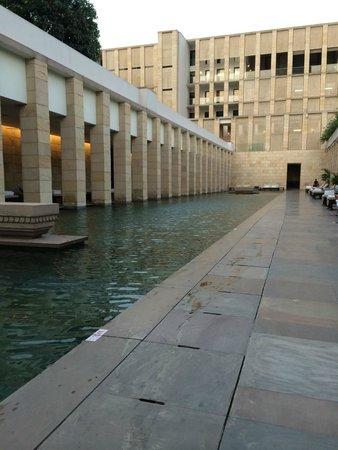The Lodhi: hotel pool