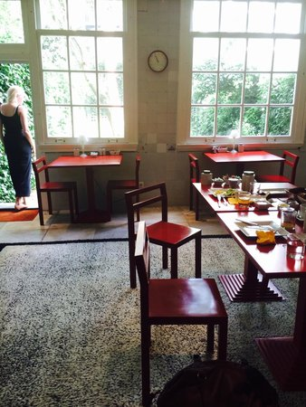 Hotel Orlando: Breakfast with garden view
