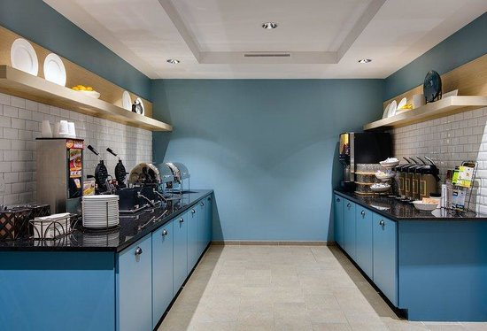 Country Inn & Suites By Carlson, Springfield: SFILBreakfast
