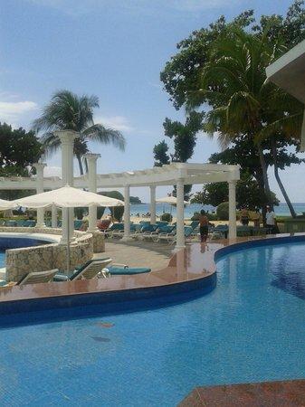 Hotel Riu Palace Tropical Bay : Pileta