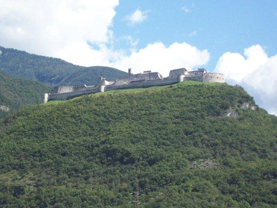 Villaggio Hotel Aquila: Castel Beseno